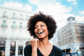Pourquoi la femme black s'intéresse t elle aux étrangers ?