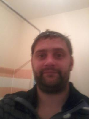 Romain 35 ans Paris France