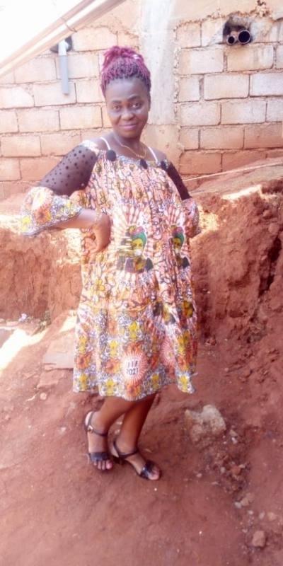 Rencontre Femme Cameroun Christiane 47ans, 169cm et 65kg