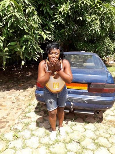 Rencontre Femme Cameroun Yolanda 44ans, 170cm et 60kg