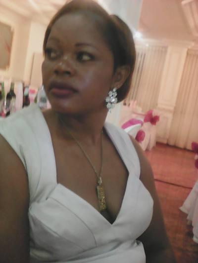 rencontre femme cameroun judith 37ans rencontre black. Black Bedroom Furniture Sets. Home Design Ideas