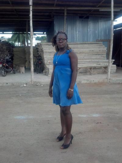 Rencontre Femme Togo Nadia 30ans, cm et 65kg - BlackAndBeauties