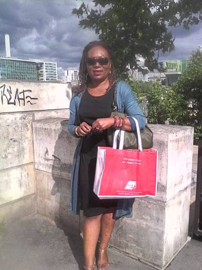 Rencontre femme black paris rencontre amicale sur internet entre jeunes