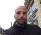 Cyril 30 ans Paris France
