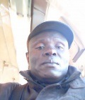 Francois 53 ans Saint Denis France