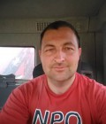 Jean Charles 37 ans St Denoual France
