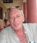 guy 68 ans Paris France