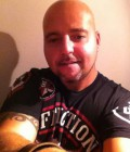 luc 45 ans Montreal  Canada