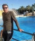 mike 54 ans Meze France